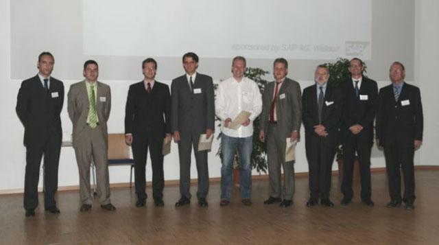 v.l.n.r.: Dr. Thomas Kasper (SAP AG), Dr. Rainer Kleber, Dr. Armin Fügenschuh, Dr. Christian Liebchen, Dr. Sebastian Sager, Dr. Nils Boysen, Prof. Dr. Gerhard Wäscher (Vorsitzender des Vorstandes der GOR), Prof. Dr. Heinrich Kuhn (Vorsitzender der Preisjury), Herr Gerhard Braun (Mitglied des Vorstandes der GOR)